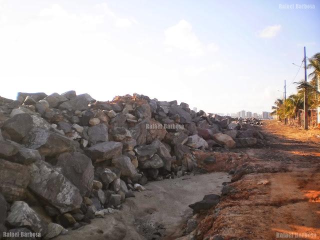 Foto 5: Pedras recém colocadas Foto tirada em fevereiro de 2013
