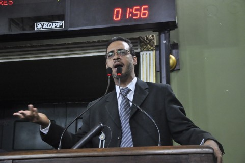 Hilton Coelho (PSOL), único voto contrário à Lei Geral da Copa