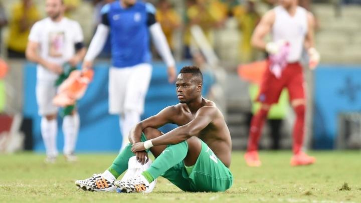 Diomande incrédulo após a eliminação da Costa do Marfim contra a Grécia.