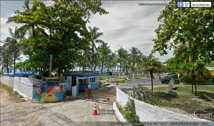 Camping Ecológico, valiosa área pública à beira mar. Foto: Google Earth.