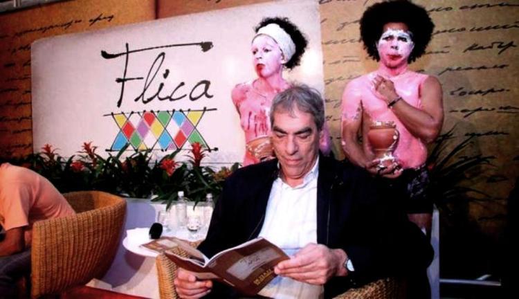 Intervenção de jovens cotistas na mesa de Demétrio Magnoli, na FLICA 2013.