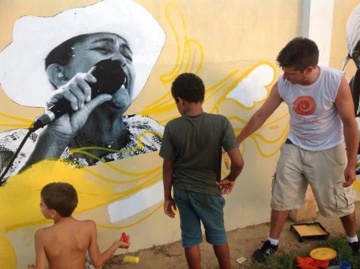 Oficina de graffiti no Espaço Baobá