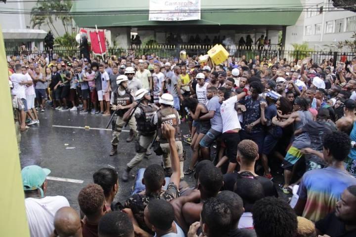 agressão policial - Carnaval